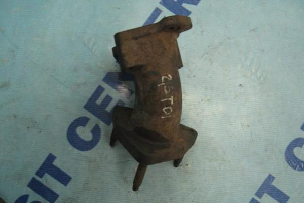 Conector entre el turbo y de escape Ford Transit 1994-2000